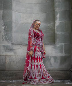 Wedding photographer captures bride at Sikh temple, Edinburgh